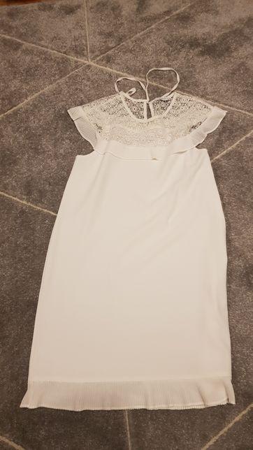 Sukienka biała Reserved rozmiar 36 z koronką