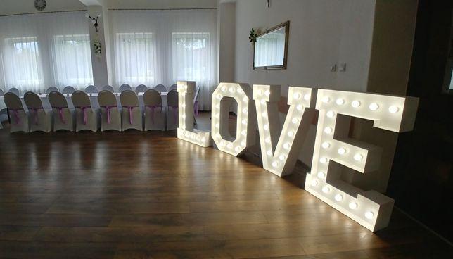 Napis LOVE wynajem wesele miłość