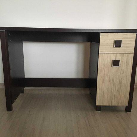 Sprzedam biurko  używane