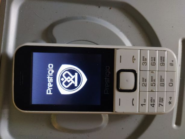 Мобильный телефон Рrestigio под 2 сим карты..