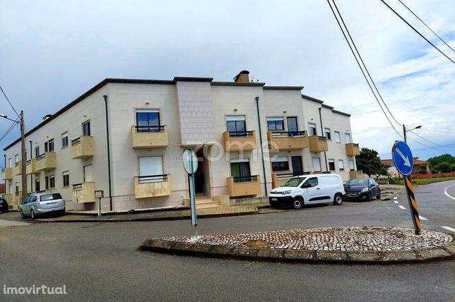 Apartamento T3 em Bustos,Oliveira do Bairro