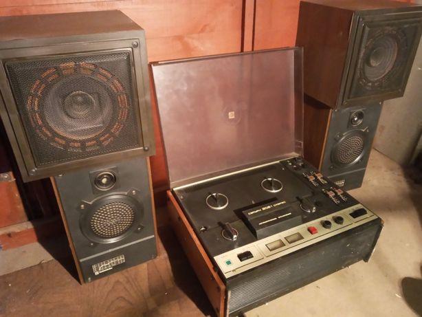 """Продам катушечный магнитофон """"Сатурн -202-1-стерео"""" с 4 колонками"""