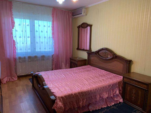 Продам трехкомнатную квартиру ( 84)м, Вышгородская, 54б