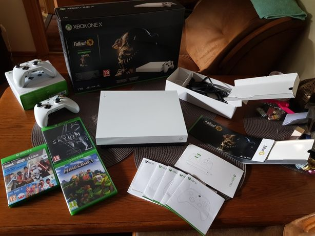 Konsola Xbox One X 1TB+ gra Fallout 76
