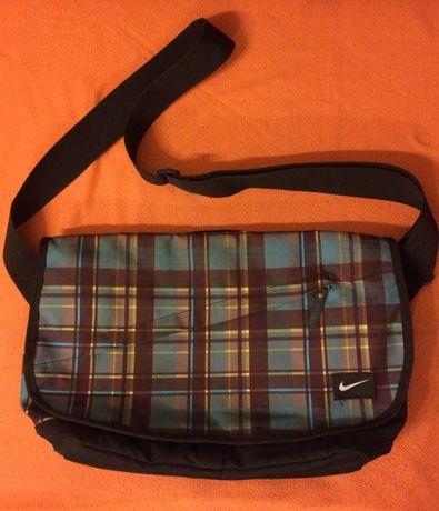 Nike torba na ramię na laptopa itp.