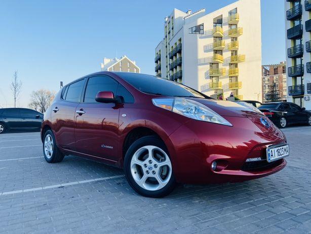 Продам Nissan Leaf 2011 год в идеальном состоянии!