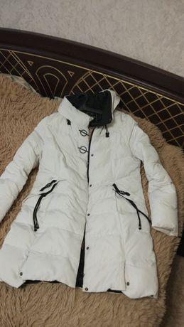 Зимняя удлиненная куртка пальто
