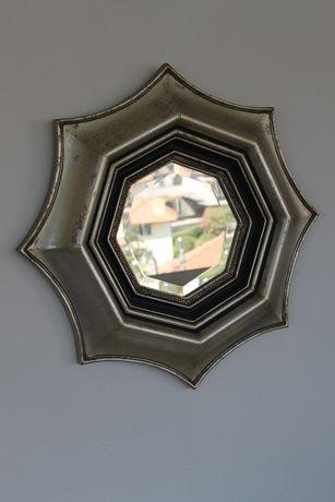 Antigo. espelho