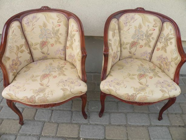 Fotele w Stylu Ludwika