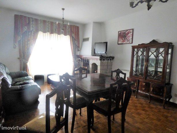 Apartamento T2,na vila de Monção
