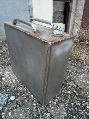 Ёмкость бак из нержавеющей стали.
