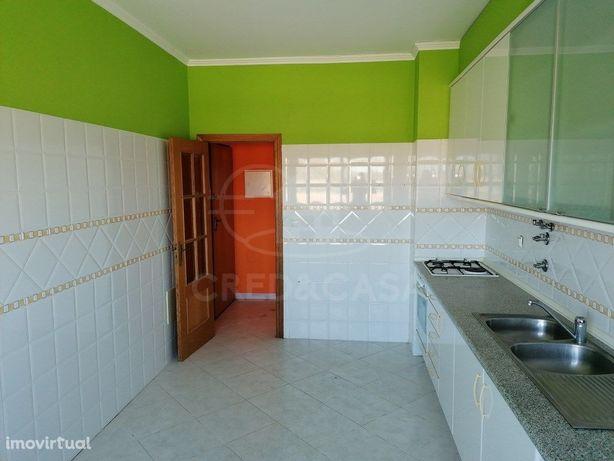 Apartamento T2 para venda em Alpiarça