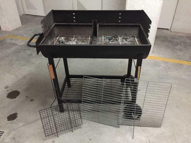 Grelhador / barbecue a carvão