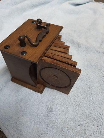 Stare stylowe drewniane solidne podkladki w pudełku skrzyneczce 8szt.