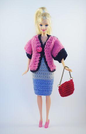 Dzianinowy komplet z czerwoną torebka dla lalki Barbie