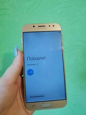 Samsung j530 2017 года.