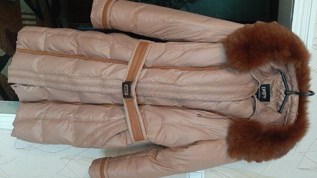 пальто женское пуховик фирмы delfy