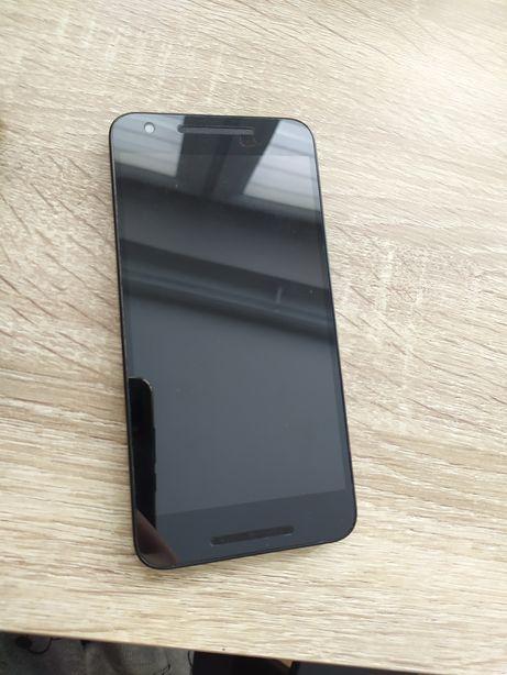 LG Nexus 5x telefon + etui
