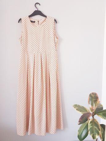 Długa sukienka w groszki