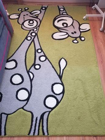 Dywan z żyrafą