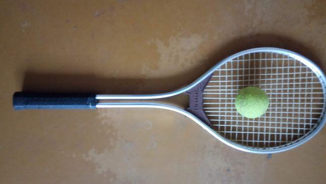 ракетка для большого тенниса Польша с мячем
