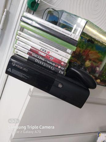 Xbox360E z grami