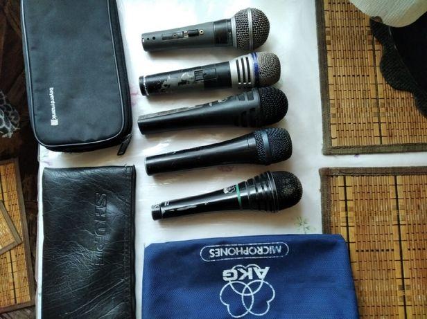 Микрофон динамический профессионального направления.