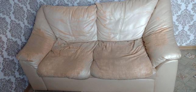 Продам диван потребує перетяжку