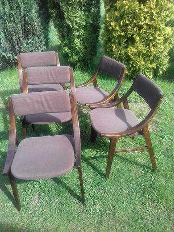 Krzesła skoczki z PRL