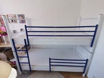 Łóżko piętrowe metalowe