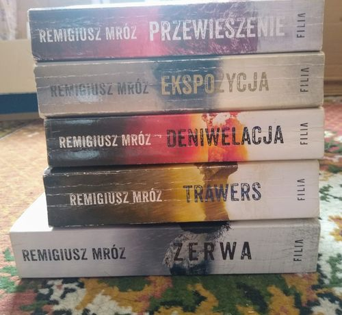 Seria z komisarzem Forstem Remigiusz Mróz