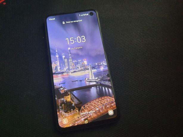 Samsung s10 e. Самсунг s10e