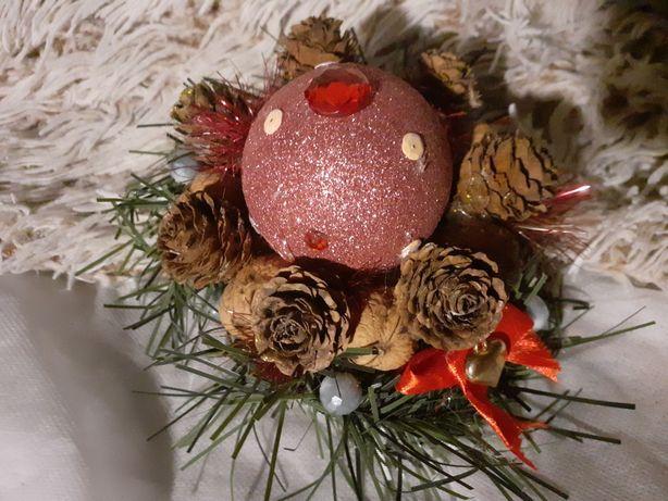 Mini stroik bożonarodzeniowy.