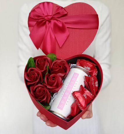 Подарунок дівчині мамі сестрі, подарок жене, цветы из мвла