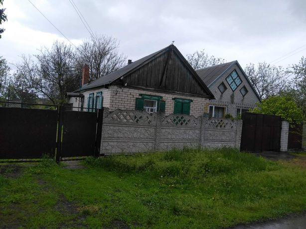 Продам дом в центре села