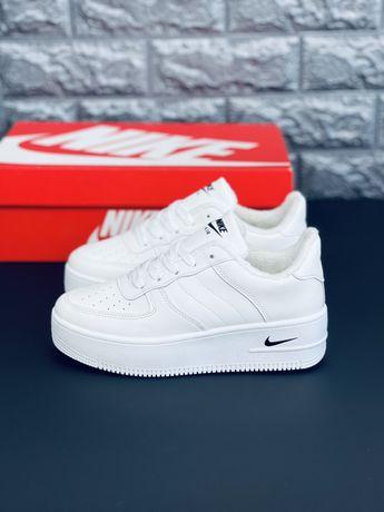 Зимние кожаные кроссовки на меху Найк Шкіряні зимові кросівки Nike Топ