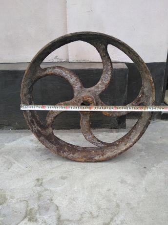 Старинное колесо-шкив