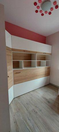 Półko-tapczan i zestaw mebli do pokoju dziecięcego