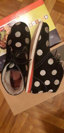 Шикарные замшевые ботинки Lola Ramona