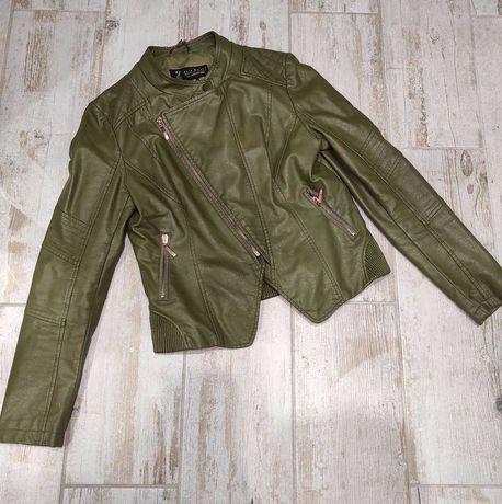Кожаная куртка косуха , с нюансом и дефектом , смотрите фото