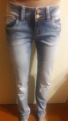 Светлые джинсы на девочку, размер 25 снизили цену последние