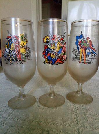 Фужери, бокали, стакани для напоїв