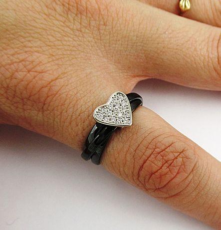 Kręcony czarny pierścionek ceramiczny serce stal 316L cyrkonie PX360