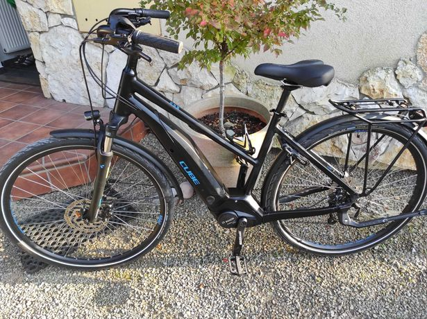 rower elektryczny CUBE touring 2020 jak nowy