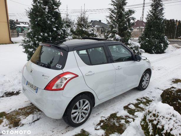 Suzuki Swift 1.2 benzyna 95KM, niski przebieg, biała perła, bogate wyposażenie