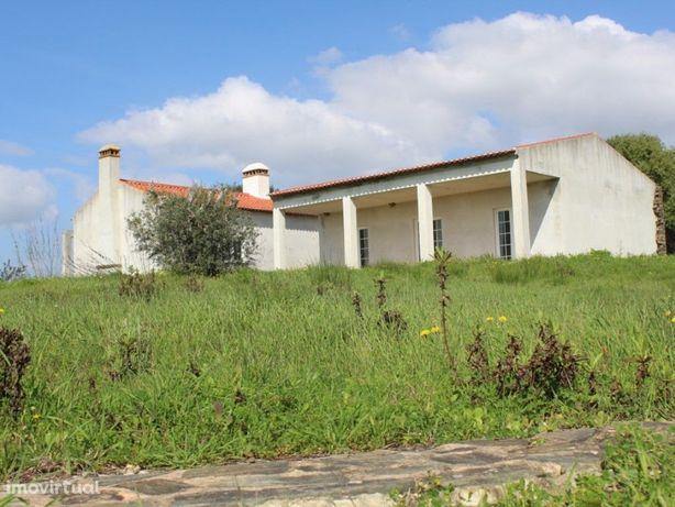 Monte Alentejano com Moradia T3 em construção em Vila Alva