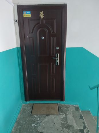 Продам 3-х комнатную квартиру. Грушевского 37.
