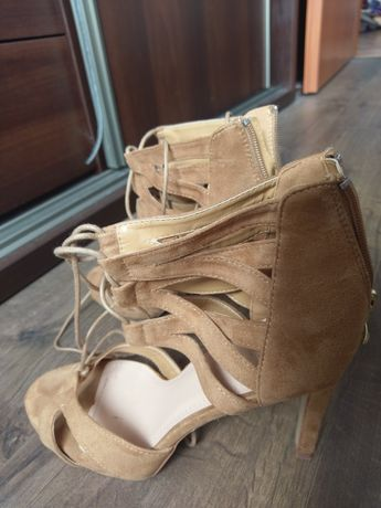 Sandałki szpilki