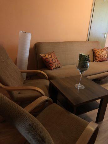 Rozkładana kanapa plus dwa fotele