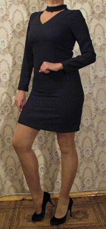 Продам однотонное оригинальное темно - синее платье / сукня 46 размер